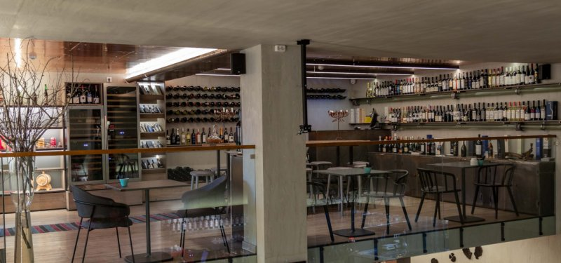 Chisinau Wine Shops: DEN Food & Wine House (Casa Dacă)