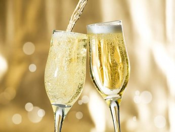 Sparkling wines made in Moldova – the Best Choice for Christmas and New Year Feast