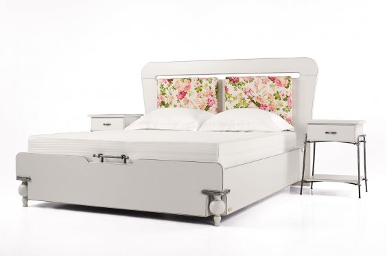 Bed and Chest of Drawers Provence