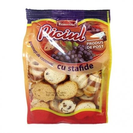 Rich mini-rusks with raisins